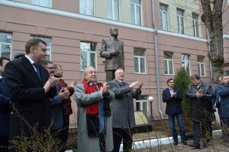 Открытие монумента Жириновскому В.В.